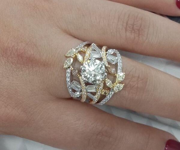 台中流當鑽石拍賣 超豪華 8心8劍 敢那閃 2.08克拉 G色 K金 女鑽戒 喜歡價可議 ZS242